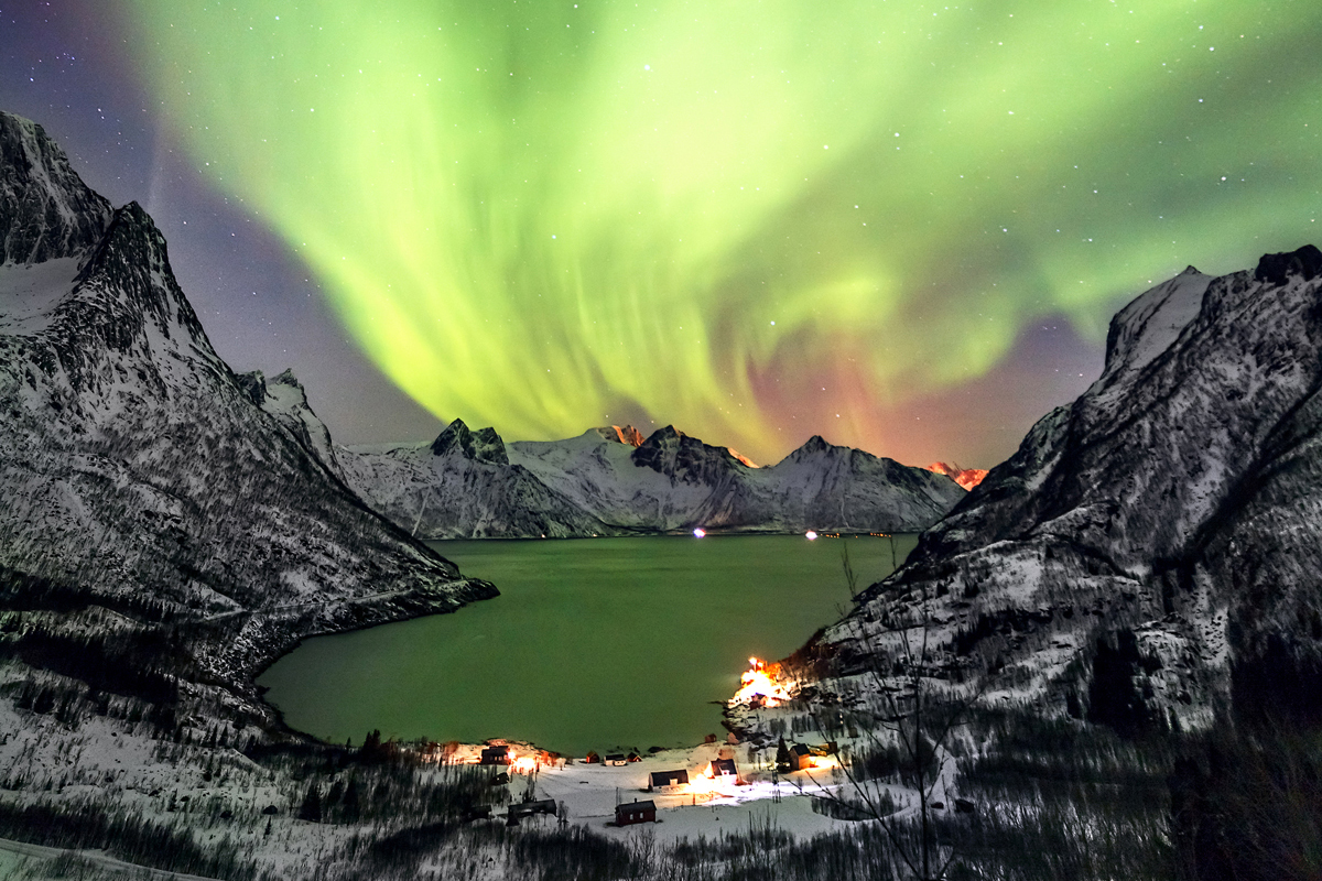 MAGICAL NORTHERN LIGHTS